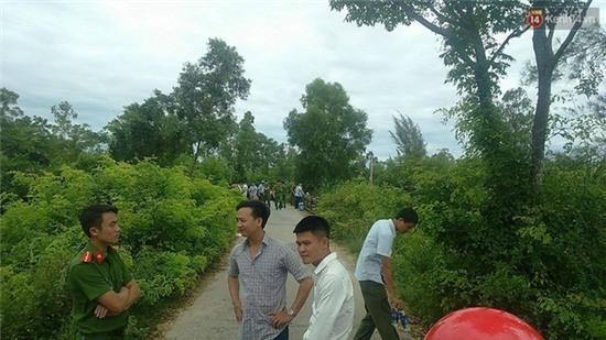 Hà Tĩnh: Nghi án nữ giám thị bị sát hại trên taxi, vứt xác xuống sông - Ảnh 1.