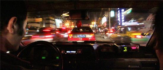 Con gái đi taxi 1 mình vào ban đêm buộc phải nhớ những điều này - Ảnh 2.