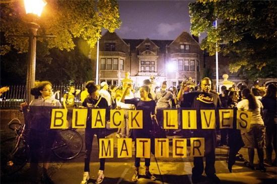 Cô gái tường thuật trực tiếp cảnh người yêu da màu bị cảnh sát bắn gây chấn động nước Mỹ - Ảnh 7.
