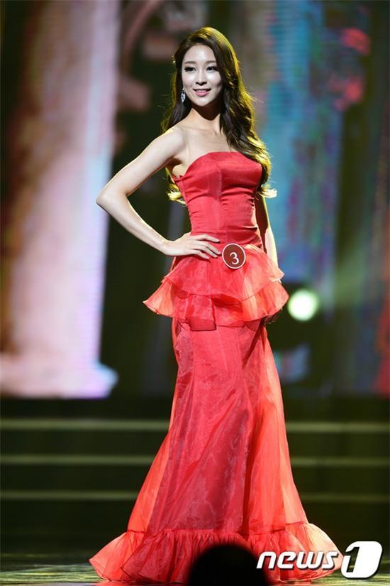 Vừa đăng quang, Tân Hoa hậu Hàn Quốc gây thất vọng với nhan sắc kém cạnh hơn Á hậu và dàn thí sinh - Ảnh 13.