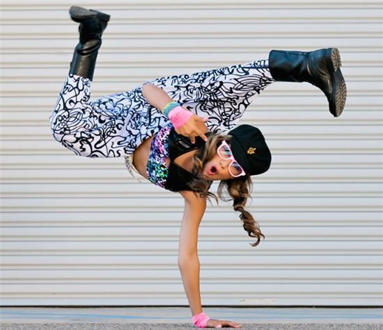 Nu dancer 17 tuoi xinh dep nhat the gioi nam 2016 hinh anh 6