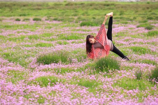 Tập Yoga tại tất cả mọi nơi mình đi qua - cô gái người Việt này đang truyền cảm hứng cho rất nhiều người! - Ảnh 11.