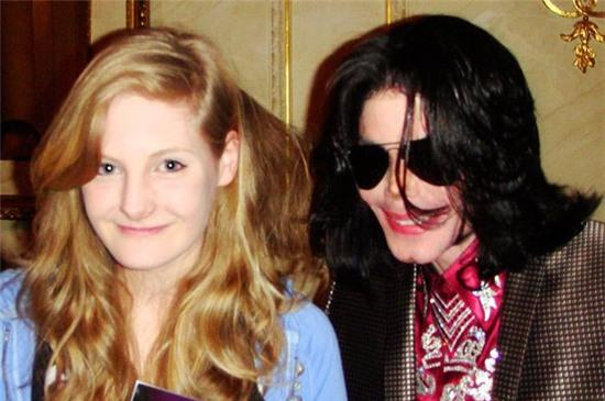 SUNDAYMIRROR-PROD-Harriet-with-Michael-Jackson
