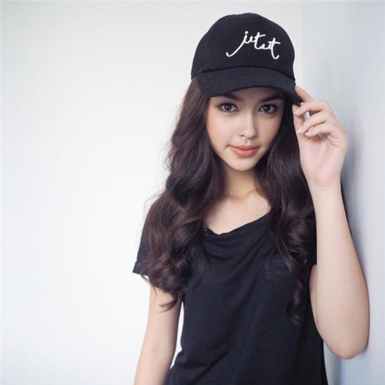 Thay vì chạy theo xu hướng, hot girl Thái lại chỉ trung thành với 6 kiểu tóc quen thuộc này - Ảnh 2.