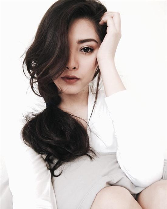Thay vì chạy theo xu hướng, hot girl Thái lại chỉ trung thành với 6 kiểu tóc quen thuộc này - Ảnh 11.