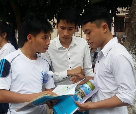Các thí sinh tham gia kỳ thi THPT quốc gia tại cụm thi Vinh