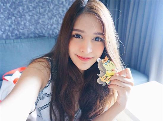 Thêm một bông hồng lai ở Thái Lan khiến bạn phải thốt lên: Con lai ai cũng đẹp! - Ảnh 17.