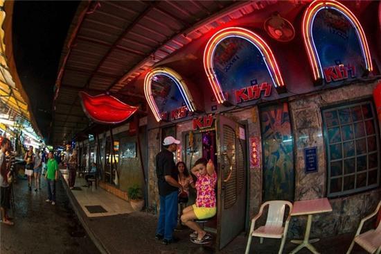 8 khu phố đèn đỏ nhộn nhịp nhất thế giới