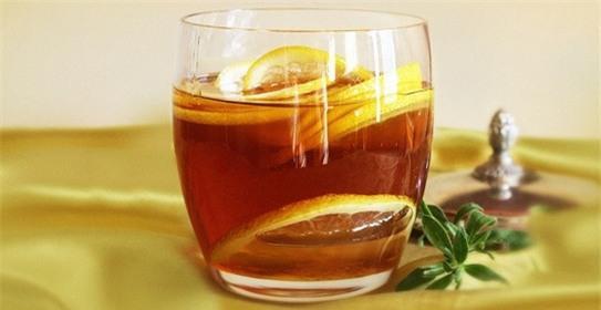 Chanh + mật ong + nước ấm = Siêu lợi ích cho buổi sáng - Ảnh 1.