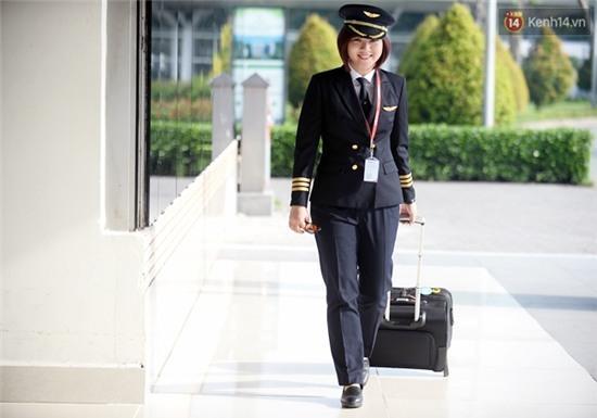 Gặp 2 nữ phi công 9X đầu tiên của hàng không Việt Nam - Ảnh 13.