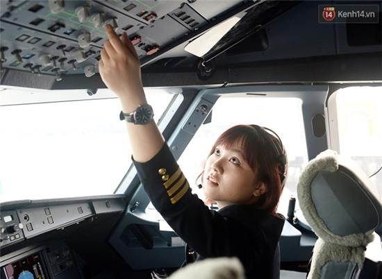 Gặp 2 nữ phi công 9X đầu tiên của hàng không Việt Nam - Ảnh 14.