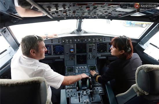Gặp 2 nữ phi công 9X đầu tiên của hàng không Việt Nam - Ảnh 15.