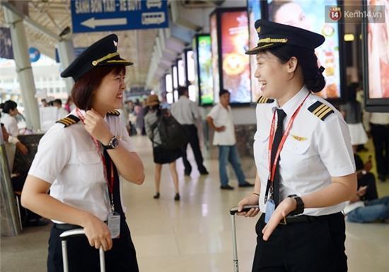Gặp 2 nữ phi công 9X đầu tiên của hàng không Việt Nam - Ảnh 8.