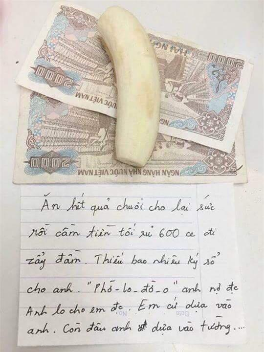 Chồng tặng vợ quà độc kèm quả chuối bóc sẵn vỏ nhân ngày 20/10 gây sốt mạng - Ảnh 1.