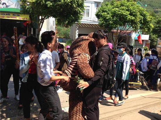 Cô gái này sẽ khiến tất thảy phụ nữ Việt Nam phải ghen tỵ - Ảnh 3.