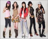 Wonder Girls tiếp tục chinh phục thị trường hải ngoại