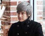 Kim Bum lại gây sốc với mái tóc mới