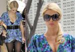 Paris Hilton lại ngây thơ... lộ hàng