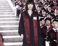 Kim So Yeon nhận bằng công tố viên