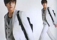 Jung Yong Hwa chiếm quảng cáo The Suit House từ tay Jang Geun Suk