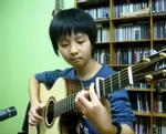 Cậu bé Hàn Quốc 13 tuổi chơi guitar gây sốt tại Youtube