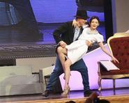 Từ Hy Viên khiêu vũ điệu nghệ cùng Lưu Đức Hoa