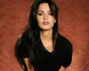 """Sợ bị so sánh với Angelina, Megan Fox từ chối """"Bí mật ngôi mộ cổ 3"""""""