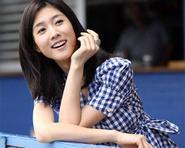 Lee Soo Kyung chuyển nghề cảnh sát