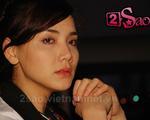 Trang Nhung khóc trên phim trường