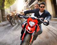 """Tom Cruise và Cameron Diaz phối hợp ăn ý trong """"Knight & Day"""""""
