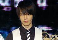 Donghae (Super Junior) bị tạt nước vào mặt?