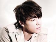 Dong Hae (Super Junior) phá cách trên High Cut