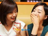 Ji Yeon tiết lộ thói quen không mặc đồ của Eun Jung (T-ara)