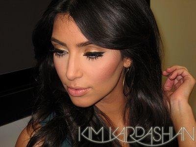 Kardashian Celebuzz on Kim Kardashian C  Ng Chia S    Nh   Ng H   I T     Ng V    Ng     I