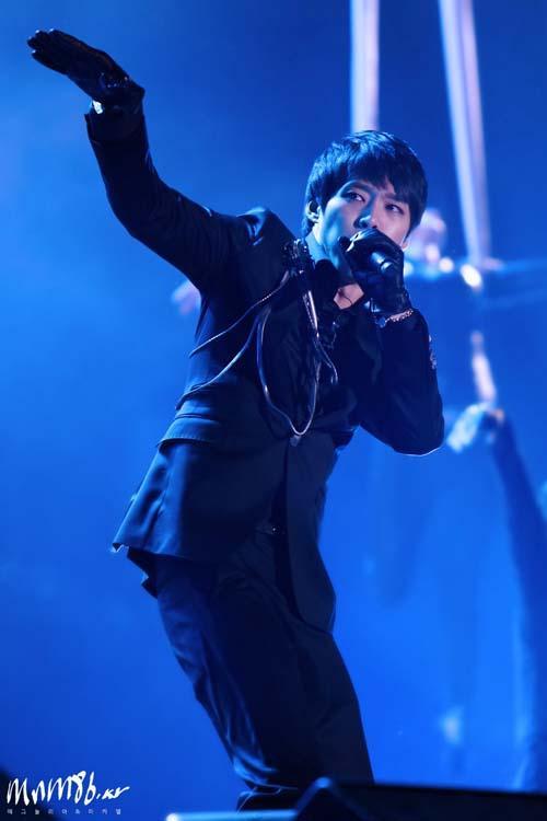 [04122010][news]JYJ làm khuynh đảo kinh tế Hàn Quốc JYP-concert42
