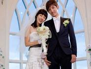 "Changmin ""cưới"" Lee Yeon Hee"