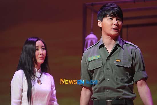 [04022011][news]Ngàn người rơi lệ vì tình yêu của Xiah Junsu với cô gái Việt Tear13