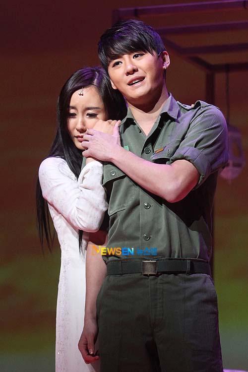 [04022011][news]Ngàn người rơi lệ vì tình yêu của Xiah Junsu với cô gái Việt Tear14