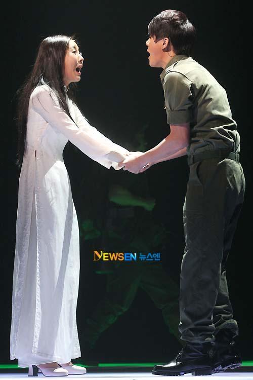 [04022011][news]Ngàn người rơi lệ vì tình yêu của Xiah Junsu với cô gái Việt Tear18