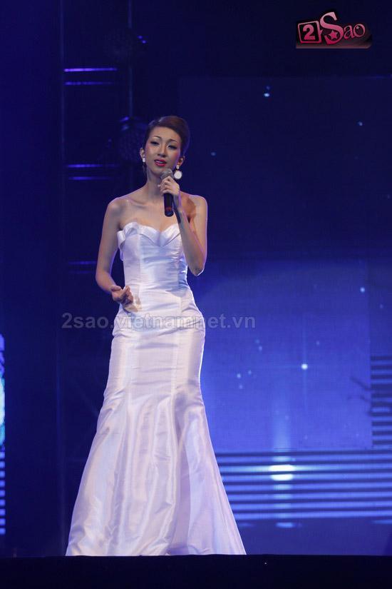 Seashow10 Siêu mẫu Ngọc Quyên lộ hàng chỗ ấy trên sân khấu