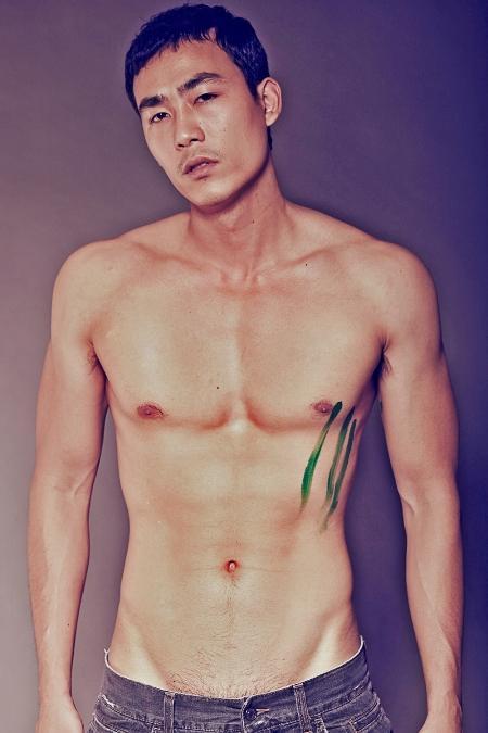 nho10 Lộ ảnh nóng siêu mẫu có bộ ngực lớn nhất Việt Nam   Hằng Nguyễn