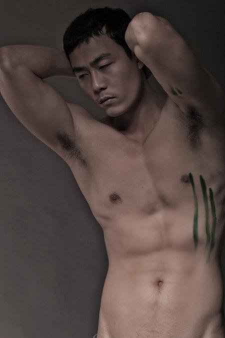 nho11 Lộ ảnh nóng siêu mẫu có bộ ngực lớn nhất Việt Nam   Hằng Nguyễn