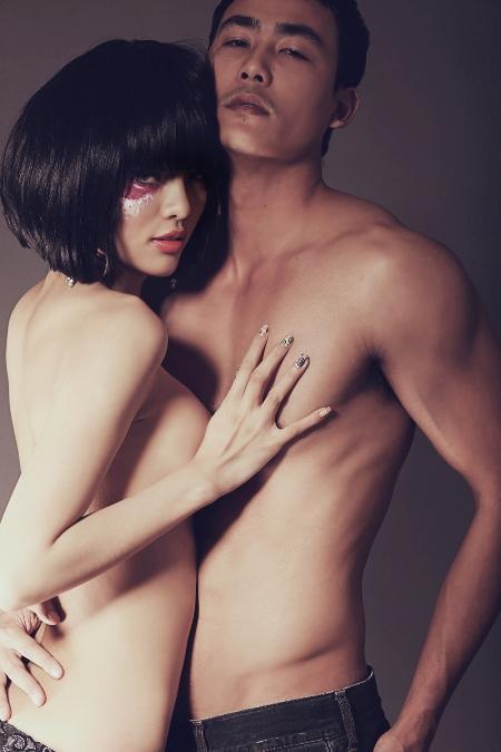 nho3 Lộ ảnh nóng siêu mẫu có bộ ngực lớn nhất Việt Nam   Hằng Nguyễn