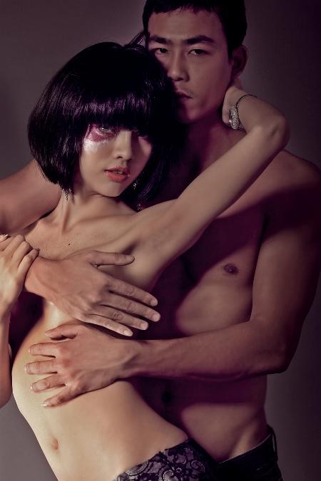 nho4 Lộ ảnh nóng siêu mẫu có bộ ngực lớn nhất Việt Nam   Hằng Nguyễn