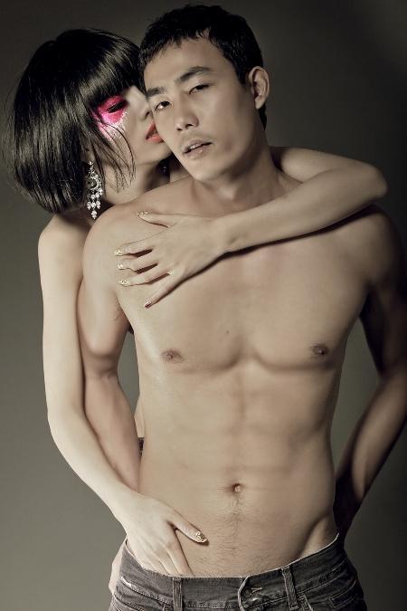 nho8 Lộ ảnh nóng siêu mẫu có bộ ngực lớn nhất Việt Nam   Hằng Nguyễn