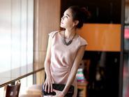 Các mẫu váy liền tăng nét cơ thể