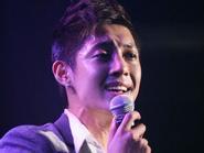 Fan ngất trong buổi giới thiệu album của Kim Hyun Joong