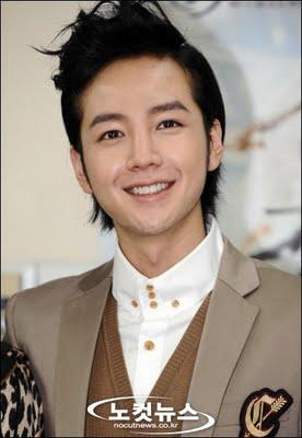 Мои любимые актеры (Южная Корея) 0608-JangGeunSuk-001