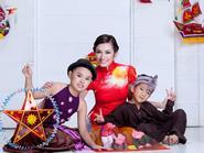 Trúc Diễm xinh tươi với áo dài sắc Trung Thu