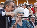 Nữ công tước 85 tuổi dính scandal ảnh sex trước đám cưới